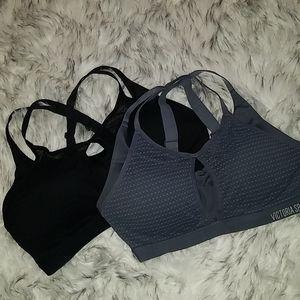 Lightweight sports bra
